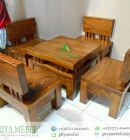 Set Kursi Tamu Antik Solid Trembesi, Jual Kursi Tamu Antik, Kursi Tamu Modern, Kursi Tamu Solid Tembesi, Model Kursi Tamu Antik, Gambar Kursi Tamu Antik, Harga Kursi Tamu Antik Trembesi, Furniture Trembesi, Furniture Solid Trembesi, Furniture Kayu Utuh, Furniture Antik, Mebel Kayu Solid Trembesi