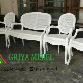 Set kursi wedding Duco Putih Kombinasi Rotan
