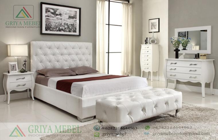 Set Kamar Putih Bombay