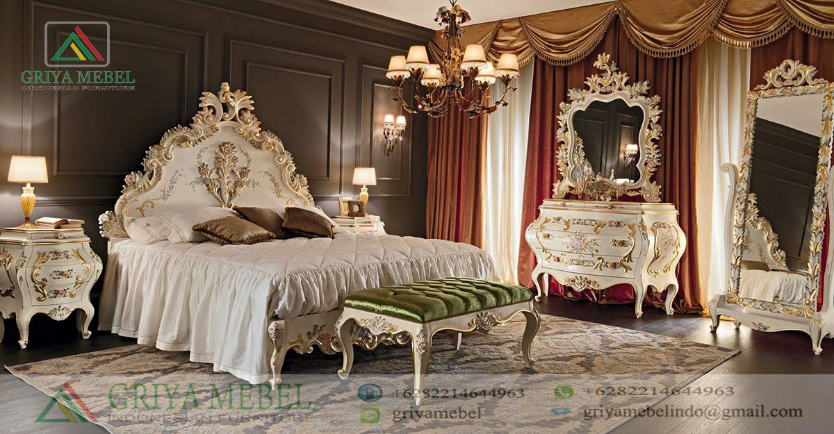 Set Kamar Tidur Mewah Ukir Eropa