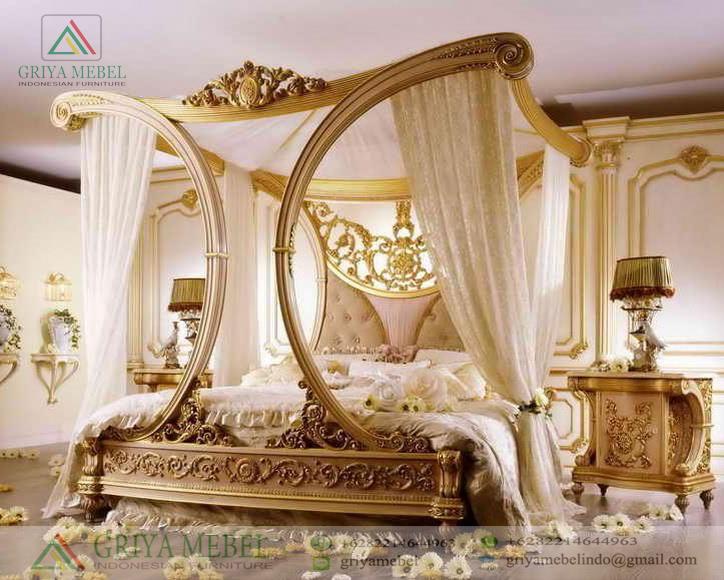 Tempat Tidur Canopy Ukir Klasik